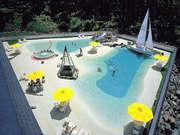 湯元 第二名水亭 なんとホテル内に広い温泉ビーチ!