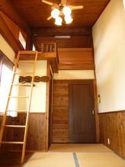 ログペンションひなたぼっこ 屋根裏付き和室