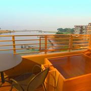 びわこ緑水亭 部屋付き露天風呂から琵琶湖を眺める