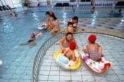ホテルエピナール那須 赤ちゃんでもプールで遊べます